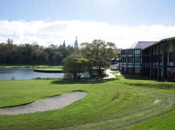 Территория гольф-клуба